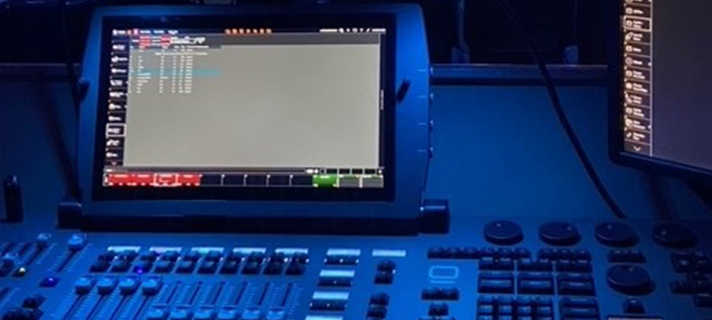 Smooth Obsidian lighting control transition at Hope Fellowship Church in Texas