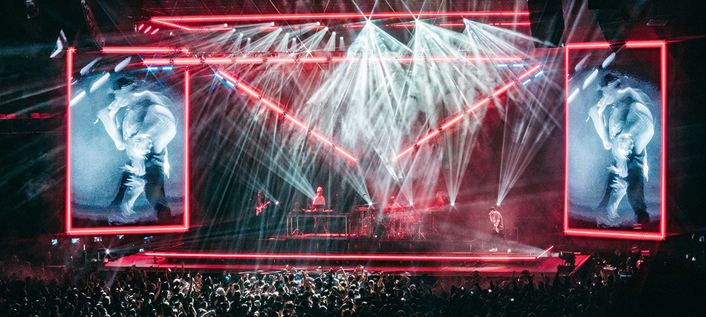 Mitchell Schellenger and Artiste Monet Shine on Logic tour